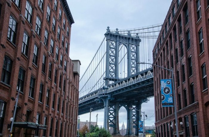ponte di brooklyn dal quartiere dumbo