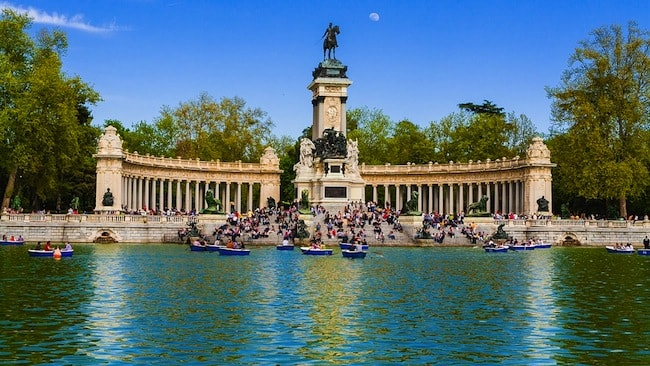 barchette al parco el retiro madrid