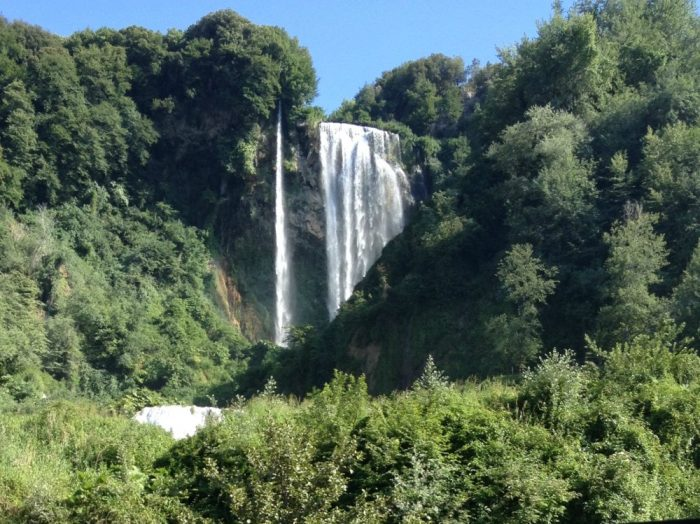cascata marmore