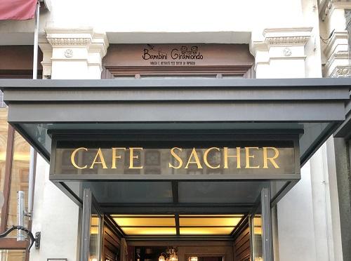Lo storico Cafè Sacher di Vienna