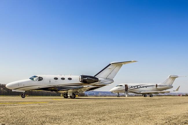 Viaggiare in aereo con un jet privato