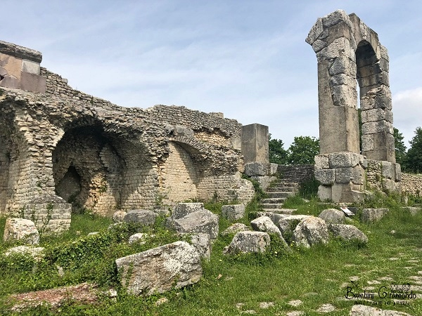 Le antiche Tabernae di Carsulae
