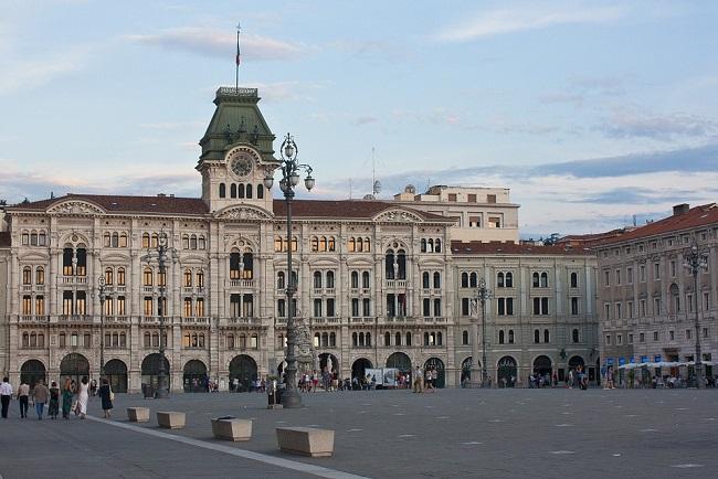 A Trieste la piazza affacciata sul mare più grande d'Europa